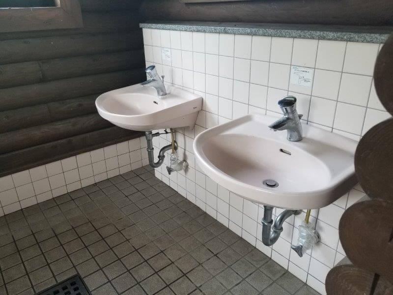 糸ヶ浜海浜公園オートサイト海側にあるトイレの手洗い場