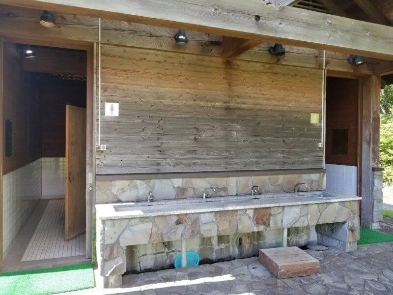 くじゅうやまなみキャンプ村のトイレ