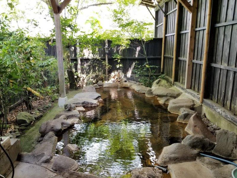 蔵迫温泉さくら 小さい方の露天風呂
