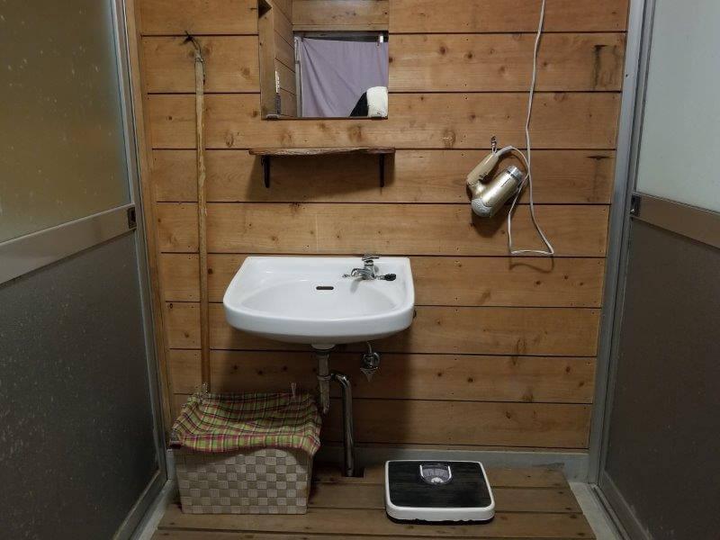 バルンバルンの森 家族風呂の洗面台