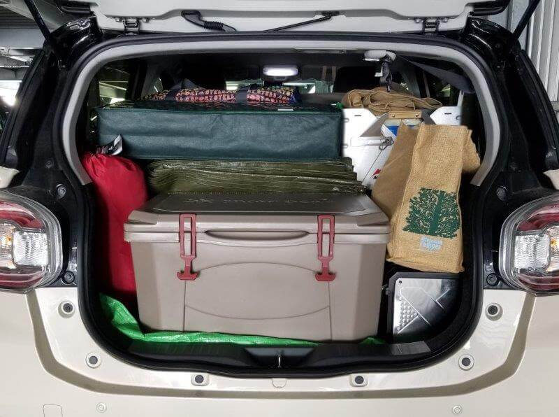 ゴンドーシャロレー日記:キャンプ道具を車に積載