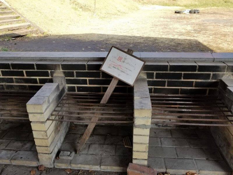 志高湖キャンプ場 炊事棟の炉