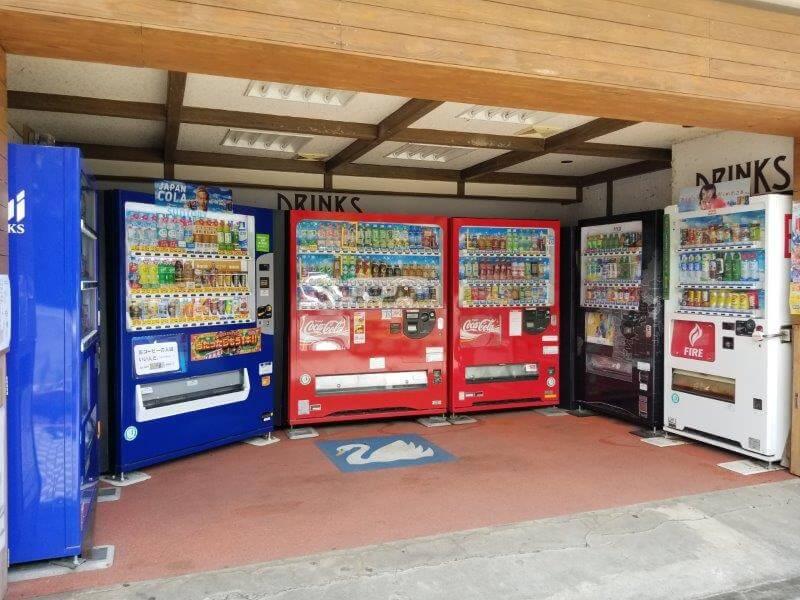 志高湖キャンプ場の売店横にある自動販売機