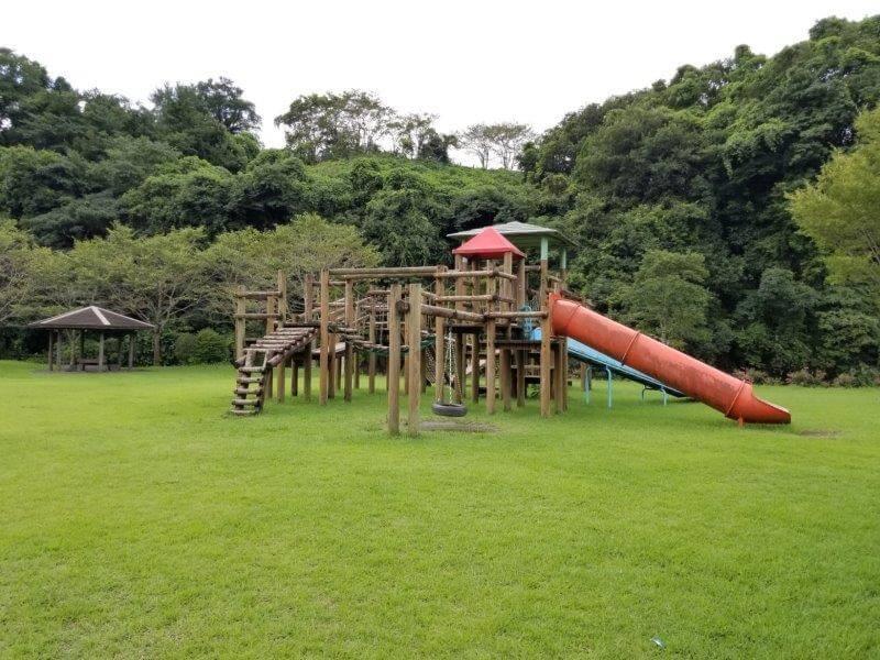 城ヶ原オートキャンプ場 芝の広場にある遊具