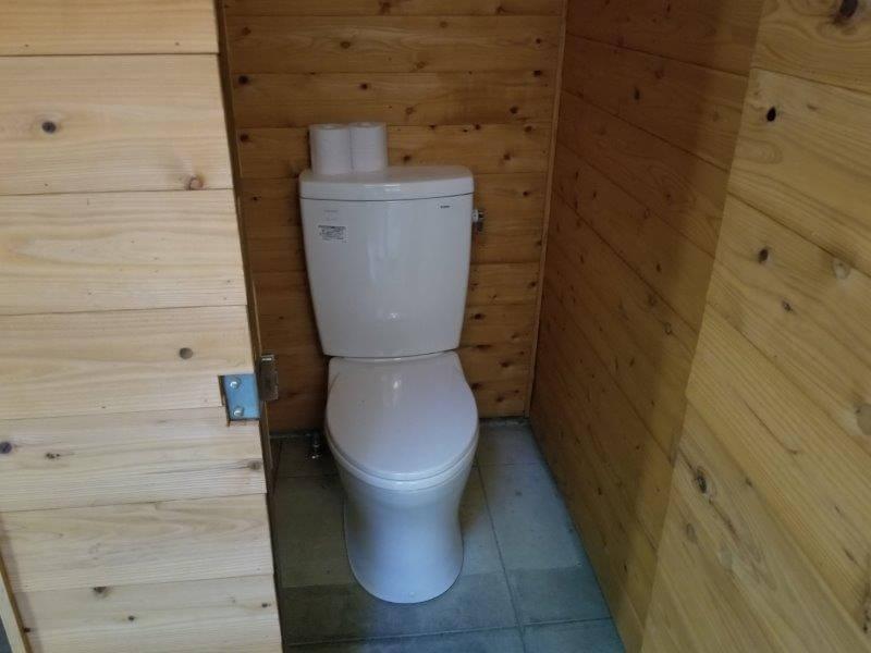 夢たちばなビレッジ オートサイト横のトイレ