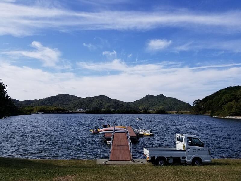 大池オートキャンプ場の湖畔アクティビティ