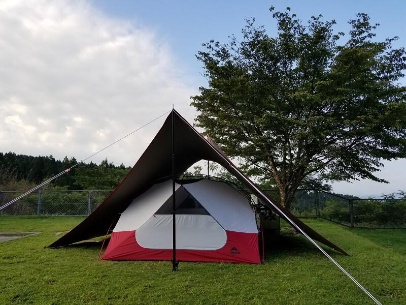 四季の里 旭志:キャンプ日記 テントをタープにインする