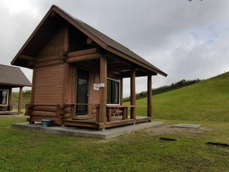 平尾台自然の郷キャンプ場 ログケビン付きオートサイト
