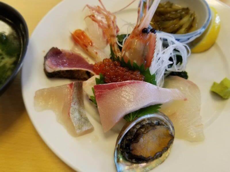 うどん県と淡路島 3泊4日のキャンプ旅行記(刺盛定食)
