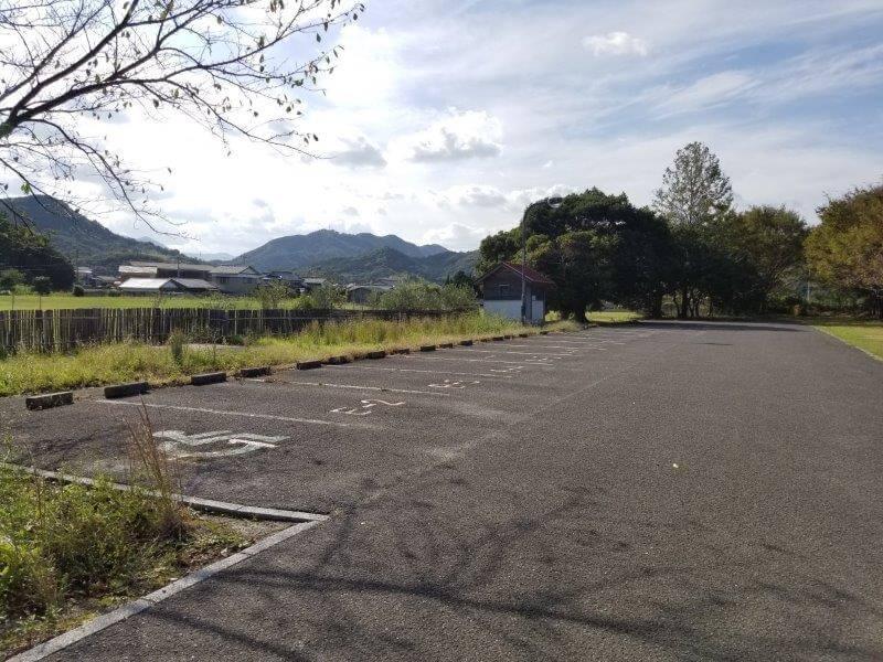 大池オートキャンプ場 フリーサイトB横にある駐車スペース
