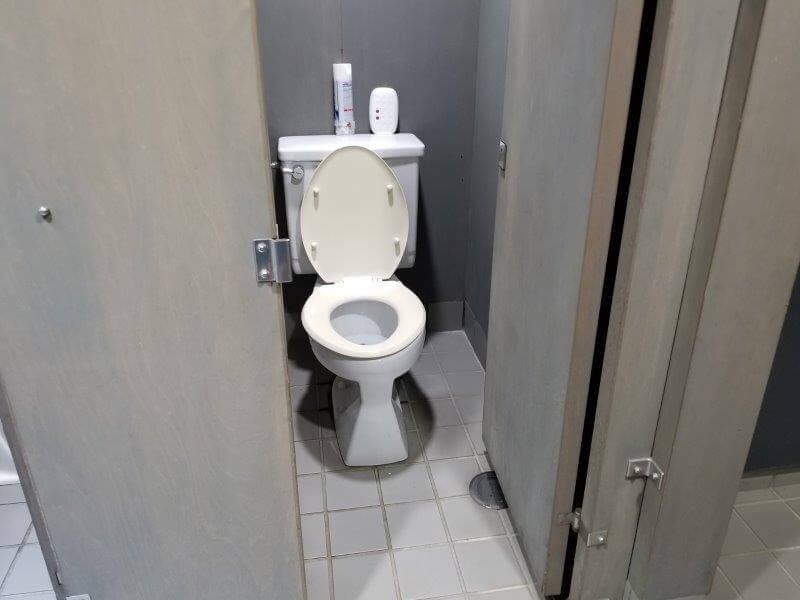 大池オートキャンプ場のクラブハウスにある洋式トイレ