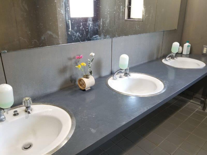 大池オートキャンプ場 クラブハウスにあるトイレの手洗い場