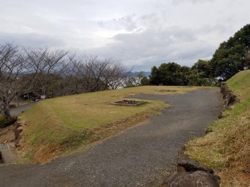 四本堂公園キャンプ場 オートサイト(11~13番サイト)
