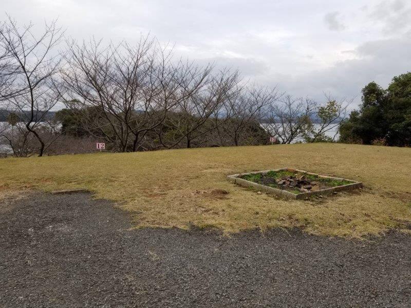 四本堂公園キャンプ場 オートサイト(12番サイト)