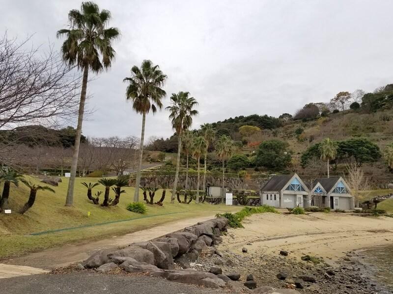 四本堂公園キャンプ場 一般サイトとリフレッシュビーチ