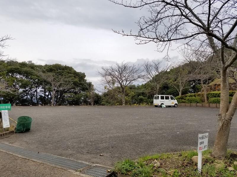 四本堂公園キャンプ場の駐車場