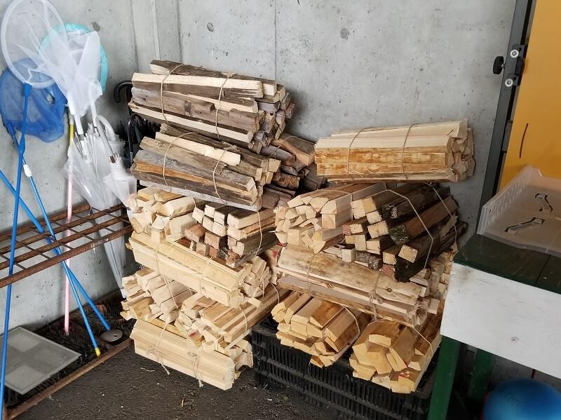 四本堂公園キャンプ場で販売されている薪
