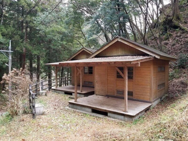岩屋キャンプ場のバンガロー