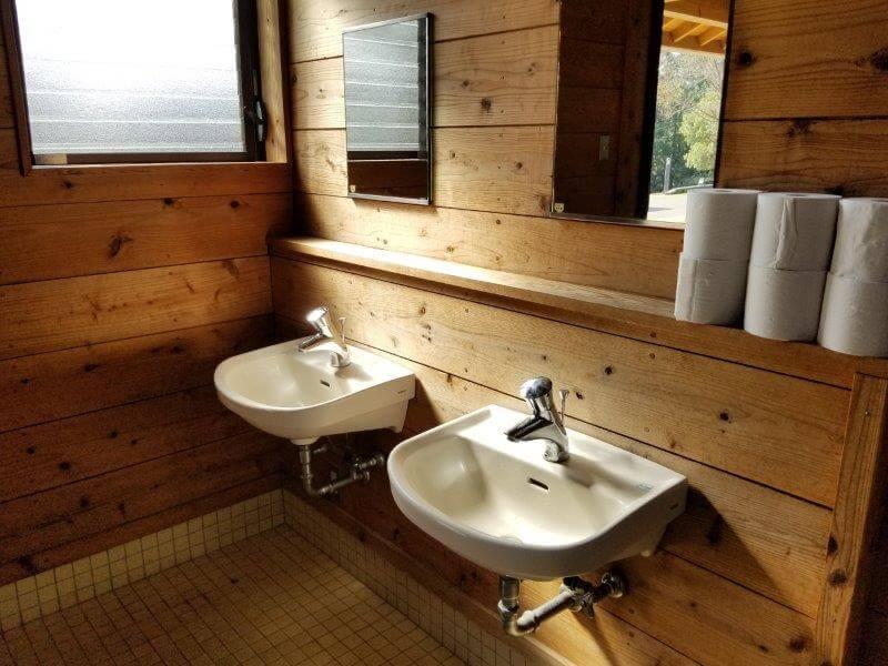 エコ・パーク論所原 トイレの洗面所
