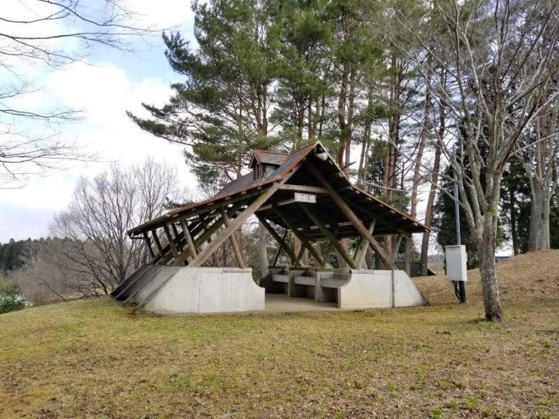 服掛松キャンプ場 炊飯棟の流し台