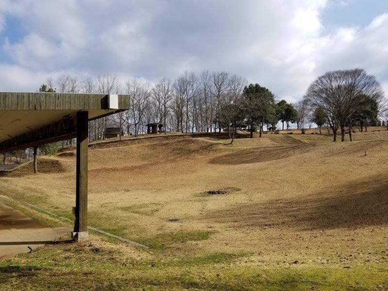 服掛松キャンプ場 フリーサイト(キャンプファイヤー場)