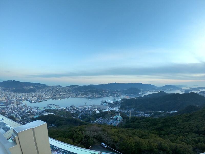 稲佐山 山頂展望台から望む長崎市街地の景色