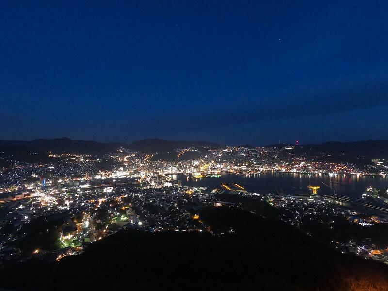 稲佐山 山頂展望台から見る長崎市街の夜景