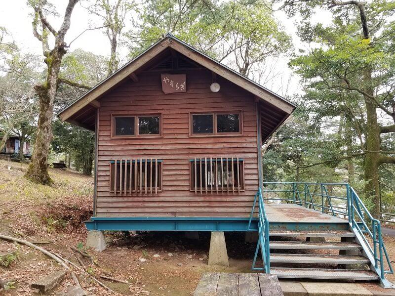 野岳湖キャンプ場のバンガロー