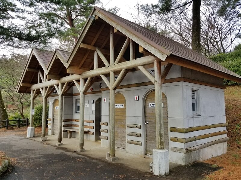 野岳湖キャンプ場 シャワー棟