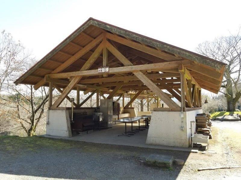 歌瀬キャンプ場 オートサイトの炊事棟