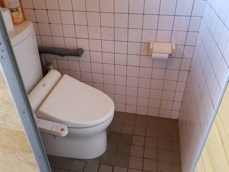 歌瀬キャンプ場 オートサイトのトイレ