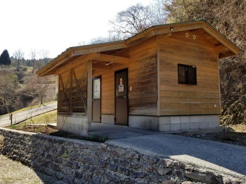 歌瀬キャンプ場 リバーサイトのトイレ
