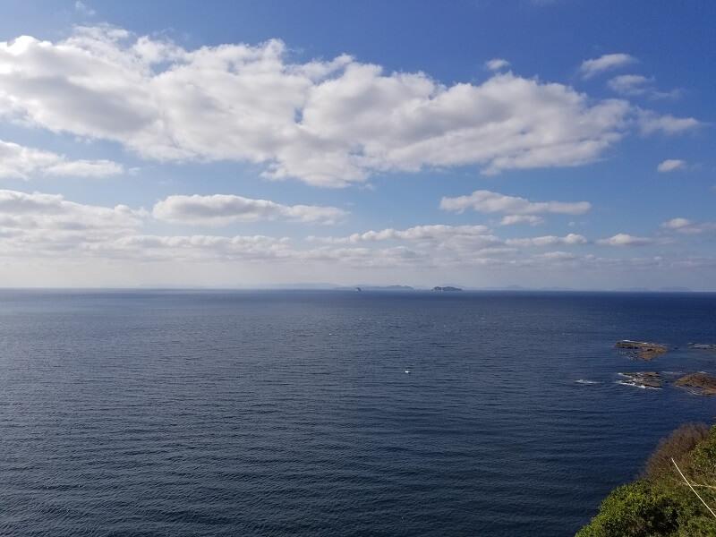 長崎県西海市崎戸町にある北緯33度線展望台から見る景色