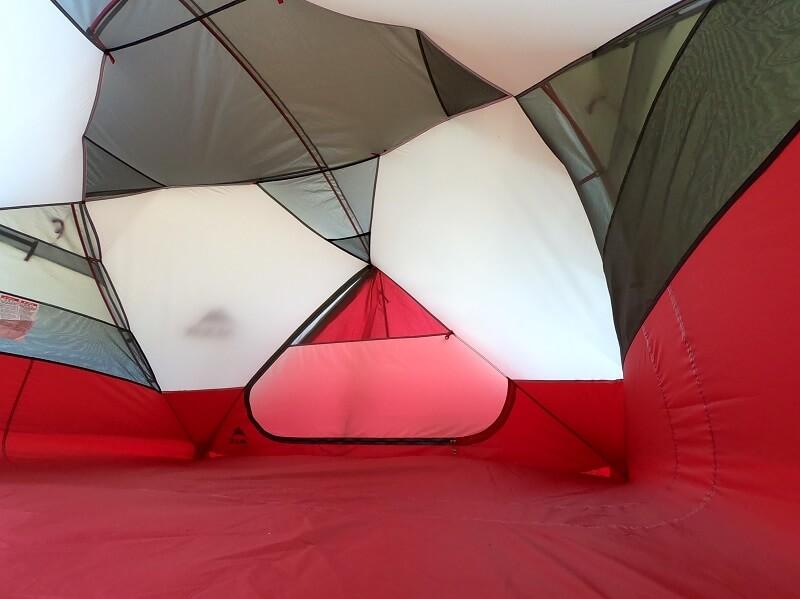 MSRエリクサー4 テント内が広い