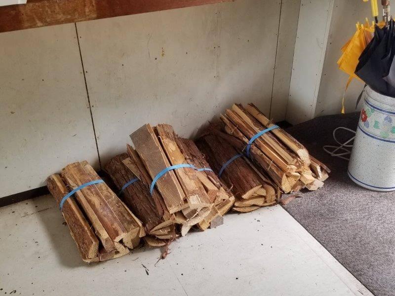 九重グリーンパーク泉水キャンプ村 管理棟で販売されている薪