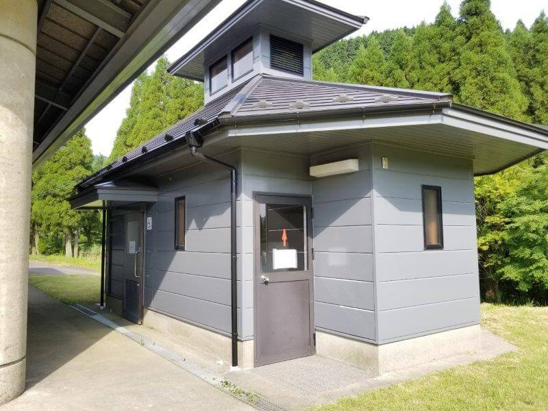 スノーピーク奥日田 区画電源オートEサイト(椿ヶ鼻ドーム横)のトイレ