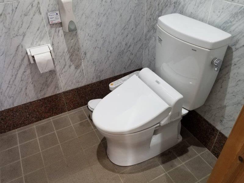 オートキャンプ竜門の洋式トイレ