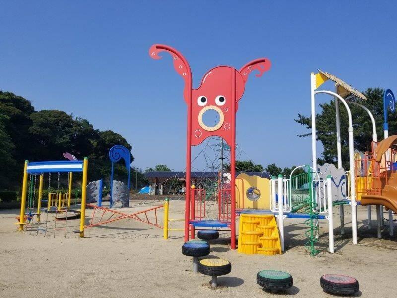糸ヶ浜海浜公園の大型遊具