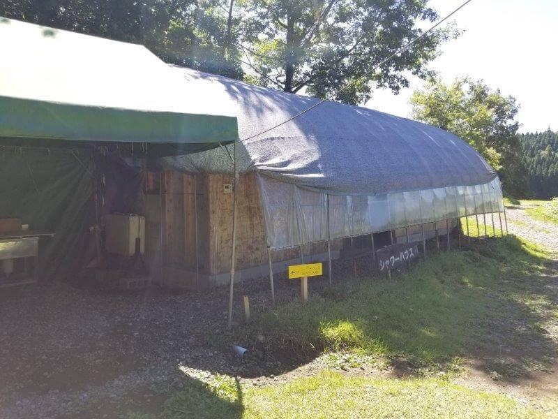 吉原ごんべえ村キャンプ場のシャワーハウス
