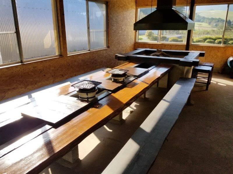 熊谷牧場・雛戸 ブルーベリー・キャンプガーデン 囲炉裏部屋でBBQも可能