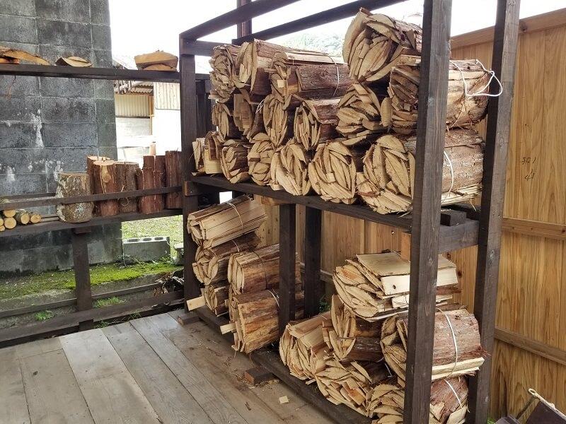 キャンプ&農園 玖珠の杜で販売されている薪