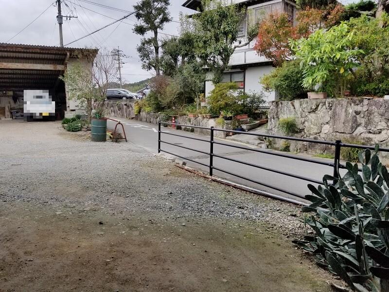 福岡県太宰府市「薪工房」の駐車場