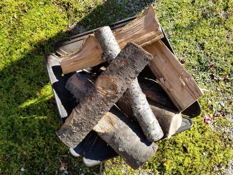 福岡県太宰府市「薪工房」のサクラの薪をsnowpeak焚火台Lにのせてみた