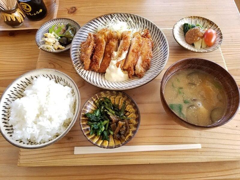 おすそわけ野菜のレストラン松原 チキン南蛮定食