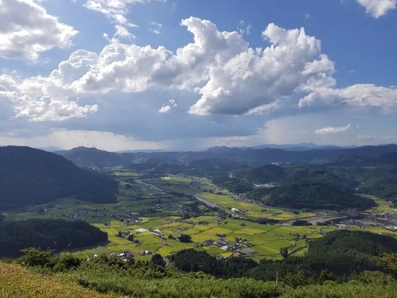 大分県玖珠 伐株山園地から見た玖珠盆地