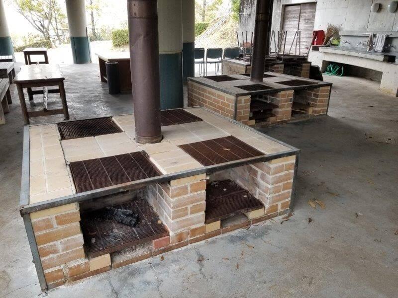 風の里キャンプ場 野外ステージ横の炊事場