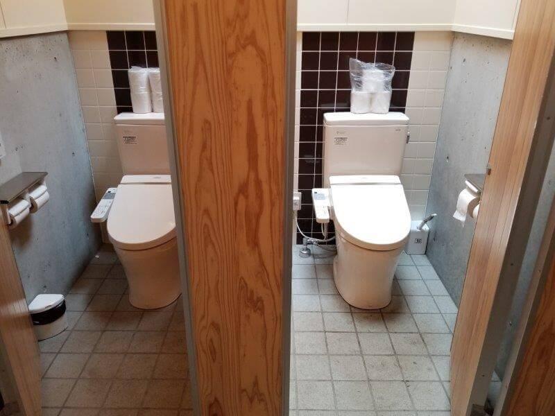 風の里キャンプ場 管理棟横のトイレ 洋式トイレ