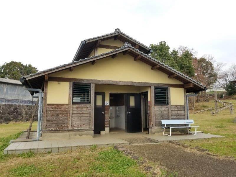 草枕山荘キャンプ場 トイレ