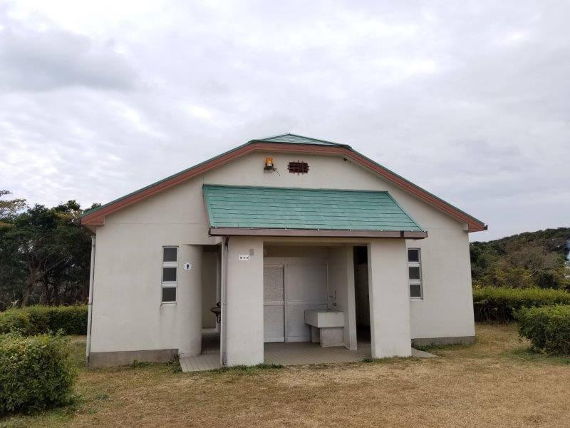 中瀬草原キャンプ場 東のトイレ