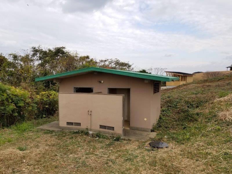 中瀬草原キャンプ場 西のトイレ